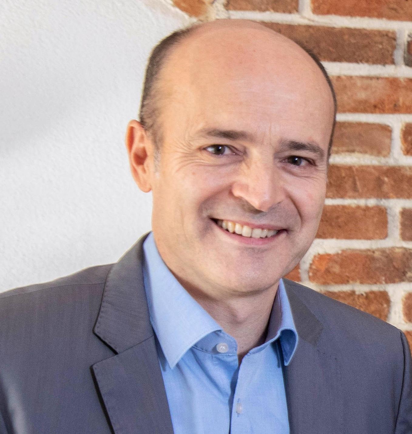 Dr. Clemens Klingan